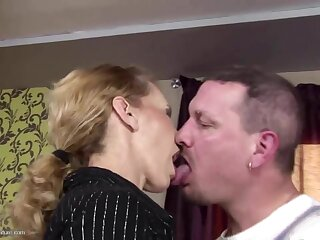 Skinny mature mom gets anal sex and drinks pee