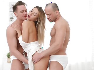MFM menage a trois with X DP-loving blonde Tequila Girl